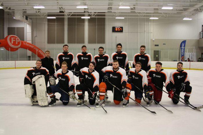 3 équipes de la FP des navigateurs s'illustrent en hockey scolaire - Centre de formation en mécanique de véhicules lourds