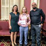 Amélie Nadeau, élève du programme Conduite d'engins de chantier, au Centre national de conduite d'engins de chantier - Chapeau, les filles