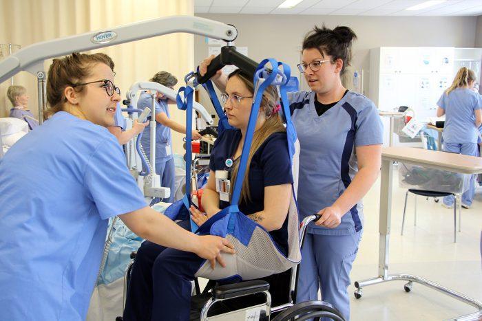 Les stages en santé (Centre de formation professionnelle de Lévis) : de la théorie à la pratique