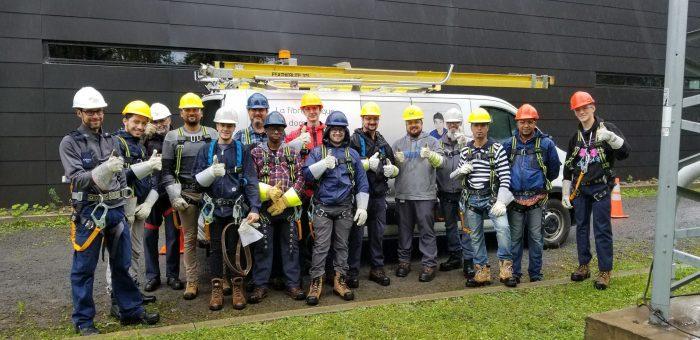 Finissants DEP Installation et réparation d'équipement de télécommunication du Cente de formation professionnelle Gabriel-Rousseau