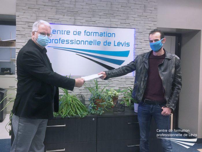 Bourse de la persévérance en Soudage-montage : bravo à Ismaël et Romain !